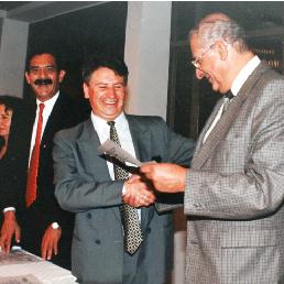 Uldarico Peña y Eduardo Hernández junto a Pedro H. Morales conocido como 'El profeta de las ventas'